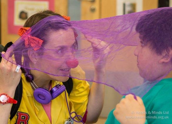 internal-hero-clowndoctors-classroom-02