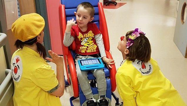 Clowndoctors with patient